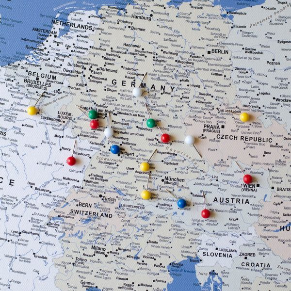 europe push pin map blue