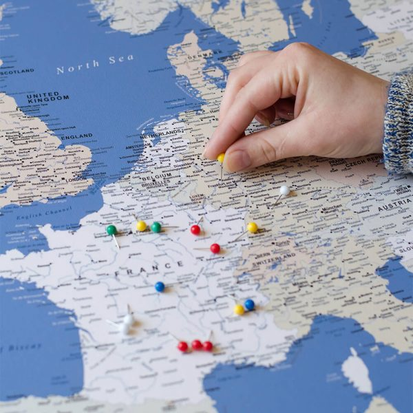 push pin europe map blue