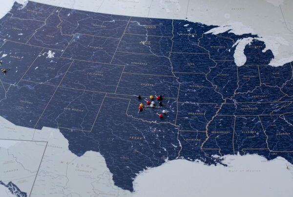 trip map usa pin board with pins