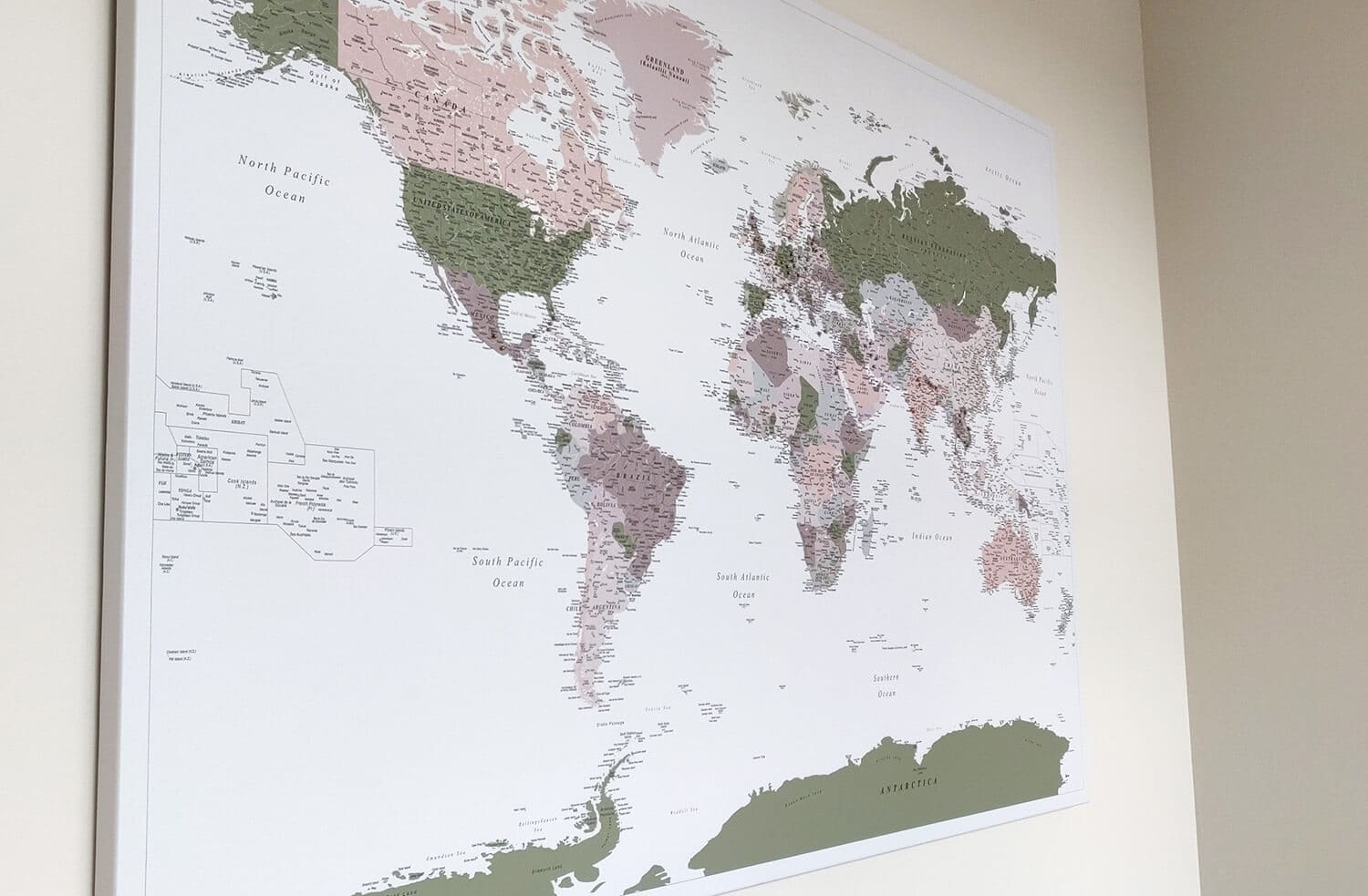 travel map with push pins modern