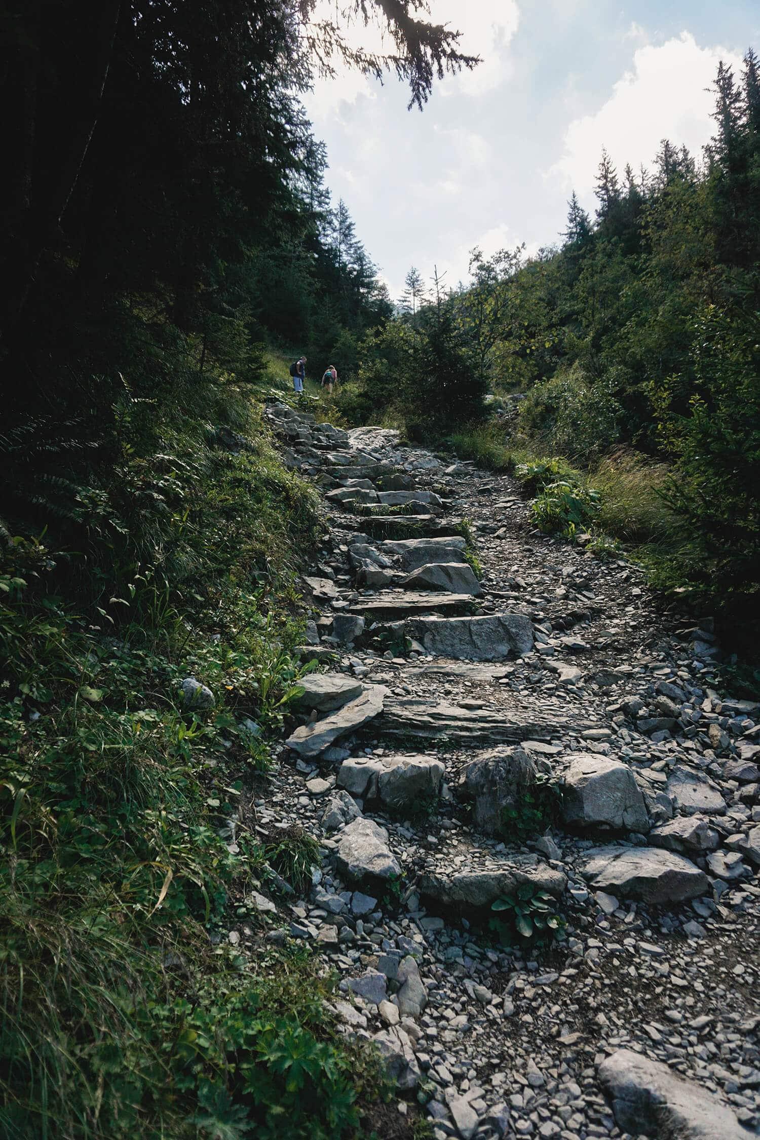 https://tripmapworld.com/wp-content/uploads/2019/03/stony-trail-tatra-mountains.jpg