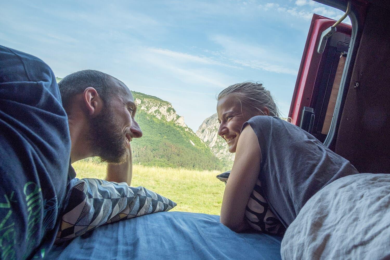 travel lifestyle couple