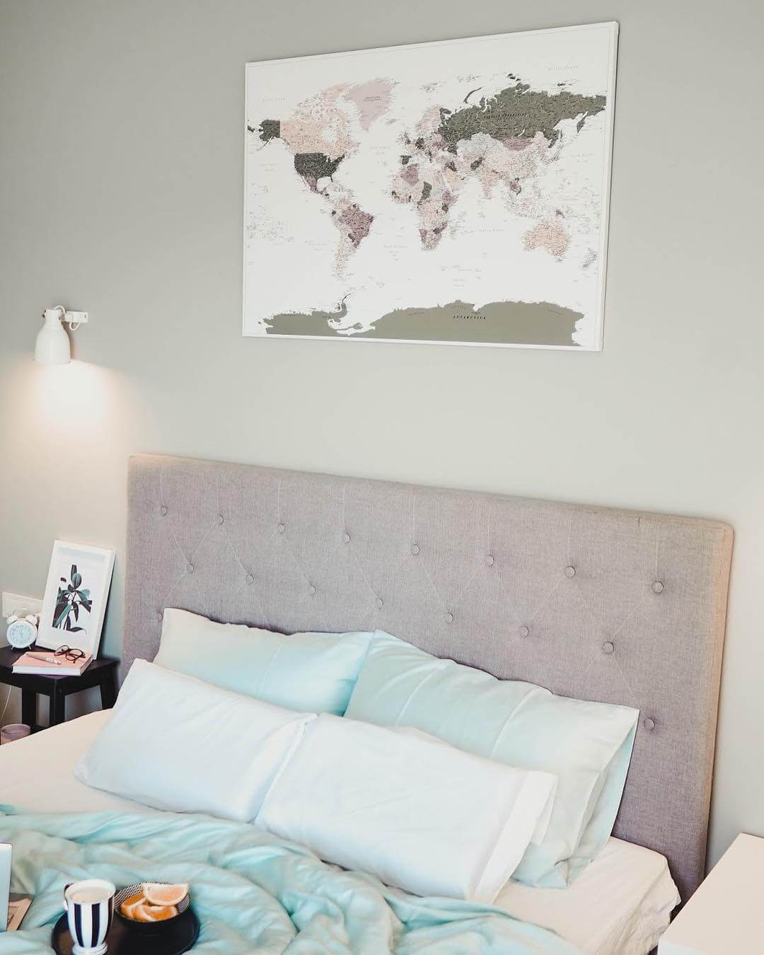 bedroom travel decor ideas world map