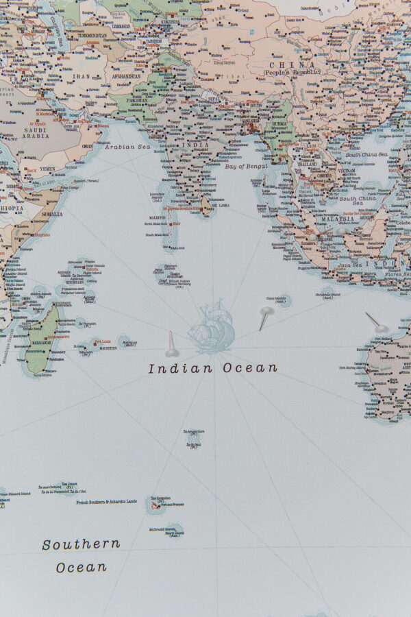 indian ocean in world map pinboard